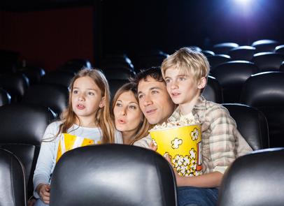 Kino nach Hause bringen mit einem Beamer